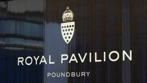 02royal-pavillion-poundbury-hoarding.jpg
